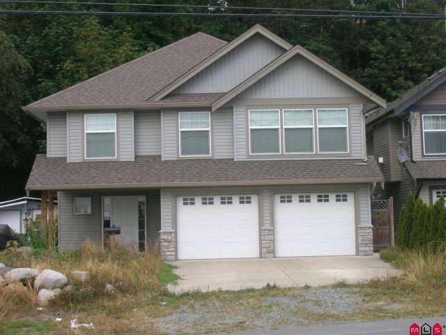 Main Photo: 47511 YALE RD in Chilliwack: Little Mountain House for sale : MLS®# H1003944