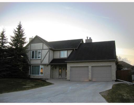 Main Photo: 625 HOLLAND Boulevard in WINNIPEG: River Heights / Tuxedo / Linden Woods Residential for sale (South Winnipeg)  : MLS®# 2806629