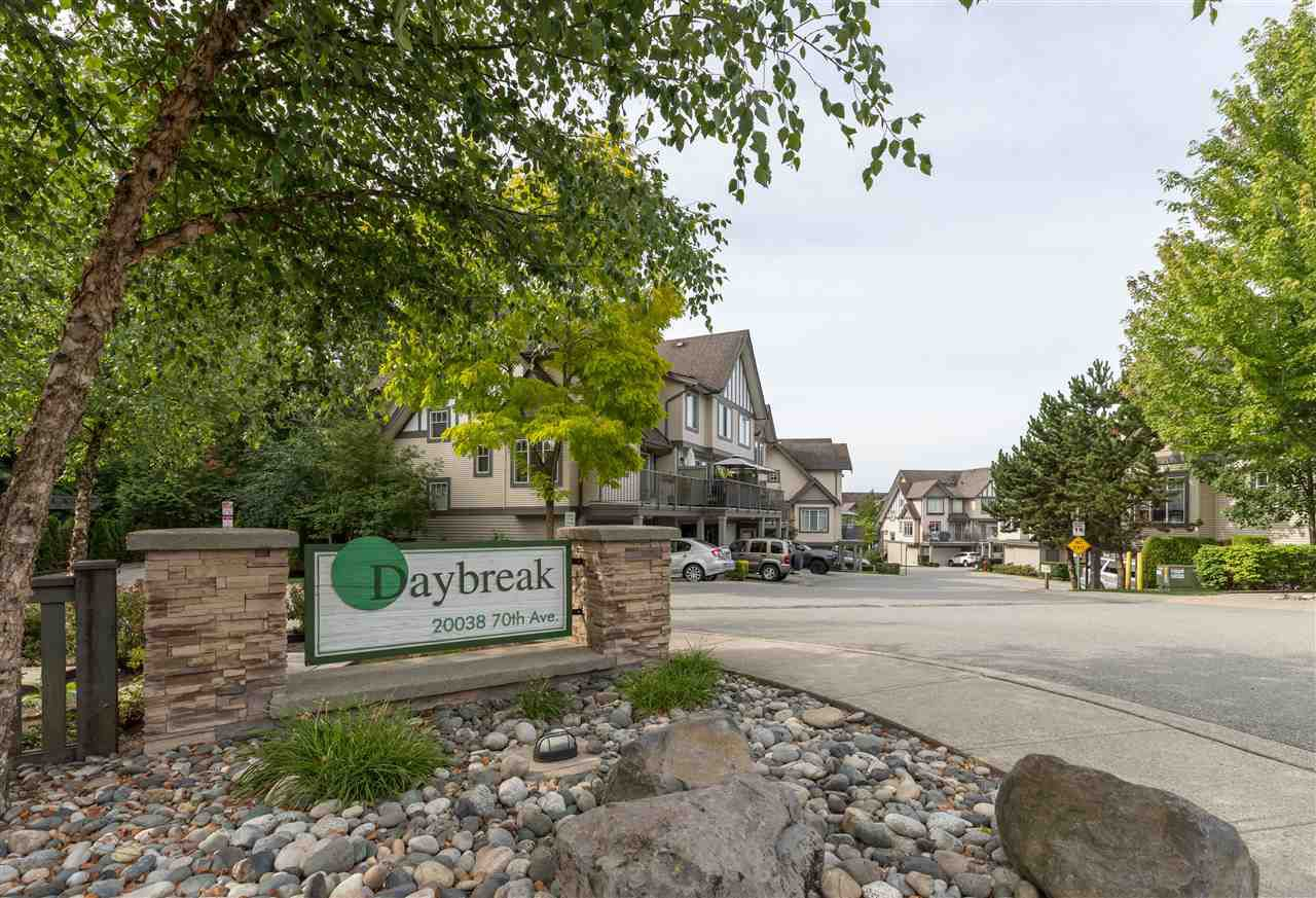 """Main Photo: 5 20038 70 Avenue in Langley: Willoughby Heights Townhouse for sale in """"Daybreak"""" : MLS®# R2388189"""