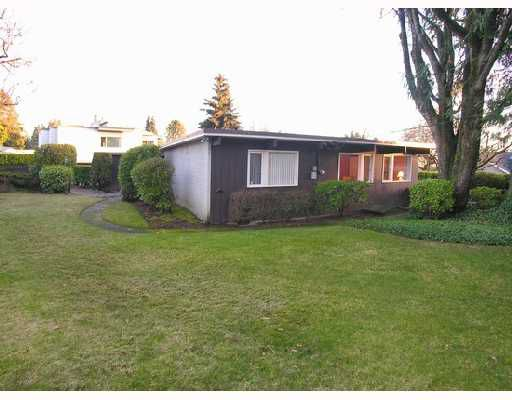 Main Photo: 669 EVERGREEN Place in North_Vancouver: Delbrook House for sale (North Vancouver)  : MLS®# V691701