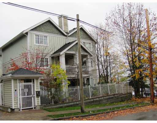 """Main Photo: 9 123 7TH Street in New Westminster: Uptown NW Townhouse for sale in """"ROYAL CITY TERRACE"""" : MLS®# V796259"""