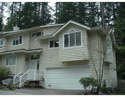 """Main Photo: 28 DEERWOOD Place in Port Moody: Heritage Mountain Townhouse for sale in """"HERITAGE GREEN"""" : MLS®# V639819"""