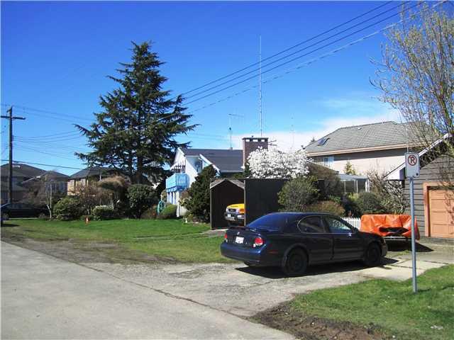 Main Photo: 8200 CLAYBROOK RD in Richmond: Boyd Park House for sale : MLS®# V880467