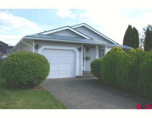 Main Photo: 8650 TILSTON Street in Chilliwack: Chilliwack E Young-Yale House for sale : MLS®# H2704373