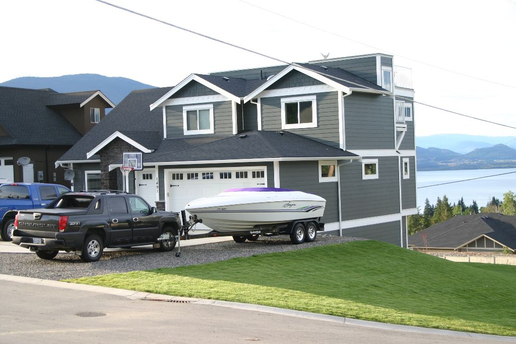 Main Photo: 1491 - 9th Avenue S.E. in Salmon Arm: S.E. Residential Detached for sale : MLS®# 9197542