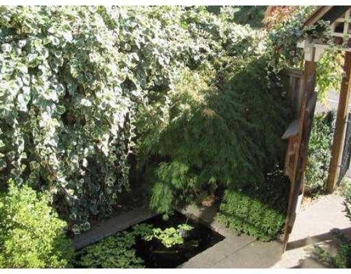 Photo 8: Photos: 1541 E 12TH AV in Vancouver: Grandview VE House for sale (Vancouver East)  : MLS®# V558473
