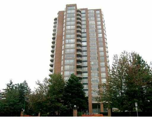 "Main Photo: 806 4350 BERESFORD Street in Burnaby: Metrotown Condo for sale in ""CARLTON ON THE PARK"" (Burnaby South)  : MLS®# V669303"