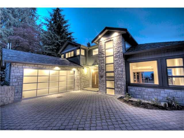 Main Photo: 649 Sylvan Avenue in North Vancouver: House for sale : MLS®# V851460