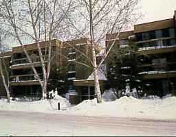 Main Photo: 305 470 KENASTON Boulevard in WINNIPEG: River Heights / Tuxedo / Linden Woods Condominium for sale (South Winnipeg)  : MLS®# 9700892