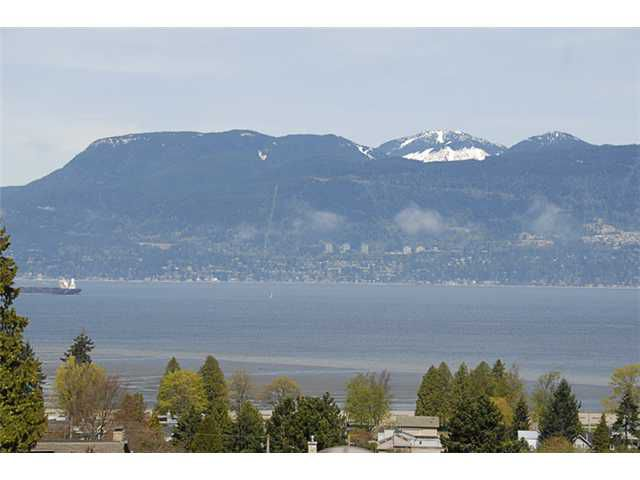 Main Photo: # 1 1980 SASAMAT ST in Vancouver: Point Grey Condo for sale (Vancouver West)  : MLS®# V821054