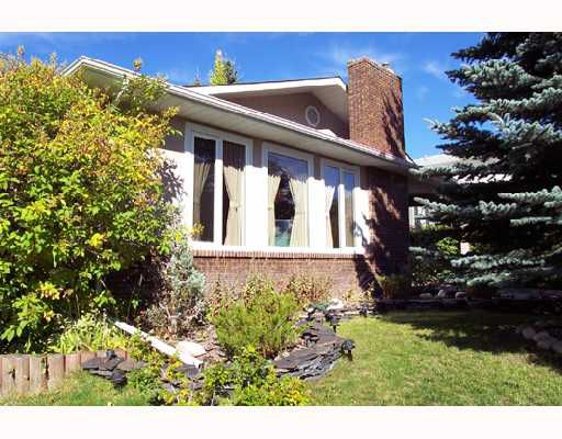 Main Photo:  in CALGARY: Silver Springs Residential Detached Single Family for sale (Calgary)  : MLS®# C3285023