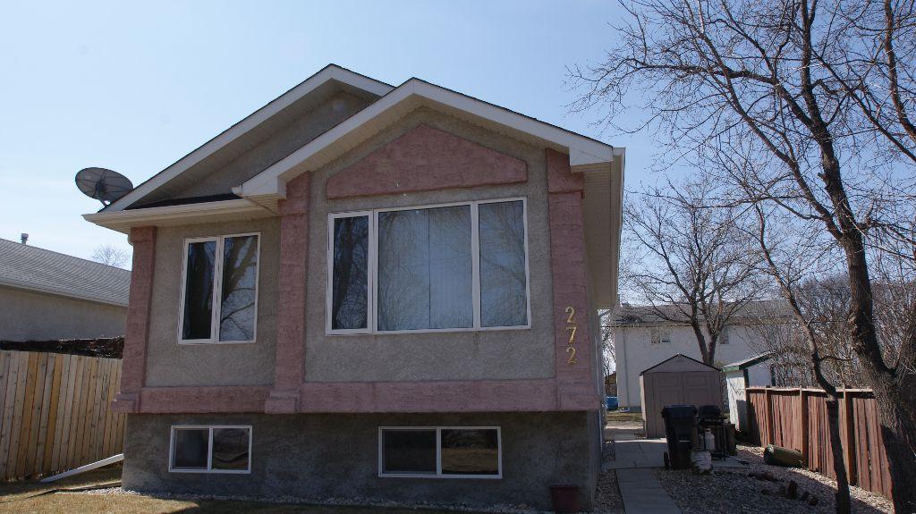 Main Photo: 272 Woodbine Avenue in Winnipeg: West Kildonan / Garden City Residential for sale (North West Winnipeg)  : MLS®# 1107347