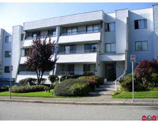 "Main Photo: 306 1341 GEORGE Street in White_Rock: White Rock Condo for sale in ""Ocean View"" (South Surrey White Rock)  : MLS®# F2722987"