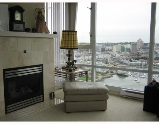 """Photo 7: Photos: 1033 MARINASIDE Crescent in Vancouver: False Creek North Condo for sale in """"QUAYWEST 1"""" (Vancouver West)  : MLS®# V634650"""