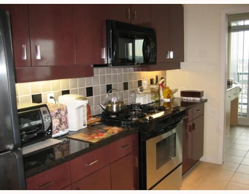 """Photo 3: Photos: 1033 MARINASIDE Crescent in Vancouver: False Creek North Condo for sale in """"QUAYWEST 1"""" (Vancouver West)  : MLS®# V634650"""