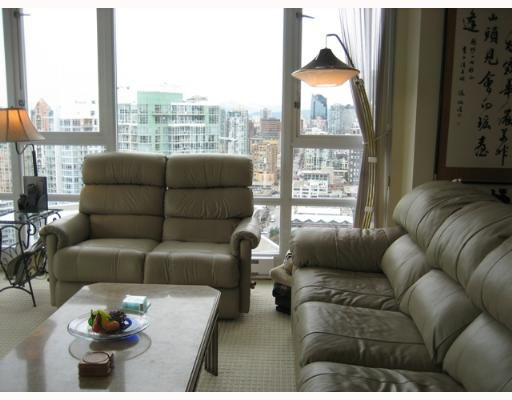 """Photo 6: Photos: 1033 MARINASIDE Crescent in Vancouver: False Creek North Condo for sale in """"QUAYWEST 1"""" (Vancouver West)  : MLS®# V634650"""