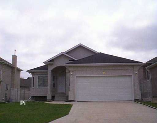 Main Photo: 35 COLLETT Cove in Winnipeg: Murray Park Single Family Detached for sale (South Winnipeg)  : MLS®# 2607477