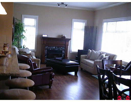 """Main Photo: 212 45753 STEVENSON Road in Sardis: Sardis East Vedder Rd Condo for sale in """"PARK PLACE II"""" : MLS®# H2704954"""