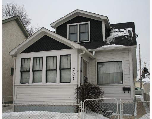 Main Photo: 791 MCPHILLIPS Street in WINNIPEG: North End Residential for sale (North West Winnipeg)  : MLS®# 2801375