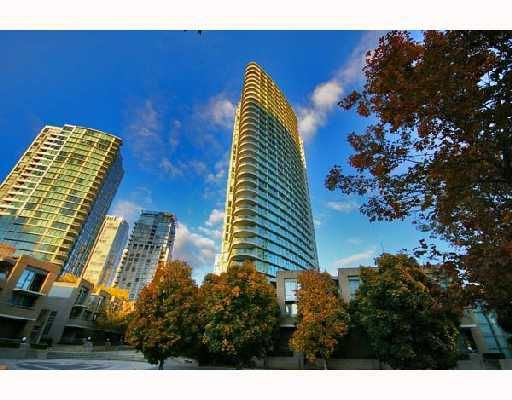 "Main Photo: 1108 1009 EXPO Boulevard in Vancouver: Downtown VW Condo for sale in ""MARINA PONTE - LANDMARK 33"" (Vancouver West)  : MLS®# V693731"