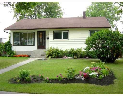 Main Photo: 416 HELMSDALE Avenue in WINNIPEG: East Kildonan Single Family Detached for sale (North East Winnipeg)  : MLS®# 2713798