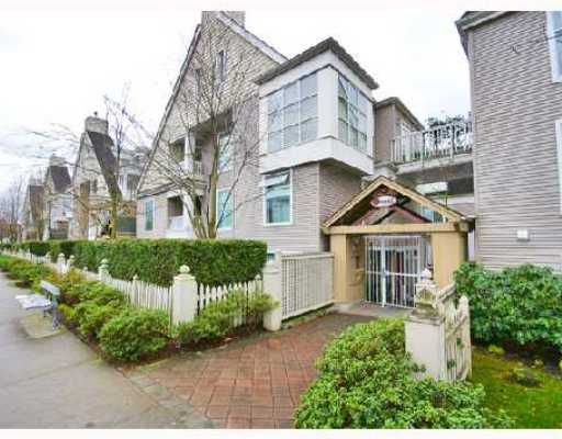 "Main Photo: 6 3170 W 4TH Avenue in Vancouver: Kitsilano Townhouse for sale in ""AVANTI"" (Vancouver West)  : MLS®# V700833"