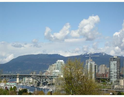 """Main Photo: 101 977 W 8TH Avenue in Vancouver: Fairview VW Condo for sale in """"THE EIGHTH AVENUE"""" (Vancouver West)  : MLS®# V661176"""