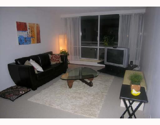 """Main Photo: 218 2012 FULLERTON Avenue in North_Vancouver: Pemberton NV Condo for sale in """"WOODCROFT"""" (North Vancouver)  : MLS®# V698574"""