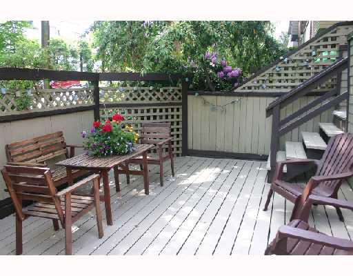 """Main Photo: 105 853 E 7TH Avenue in Vancouver: Mount Pleasant VE Condo for sale in """"VISTA VILLA"""" (Vancouver East)  : MLS®# V713116"""