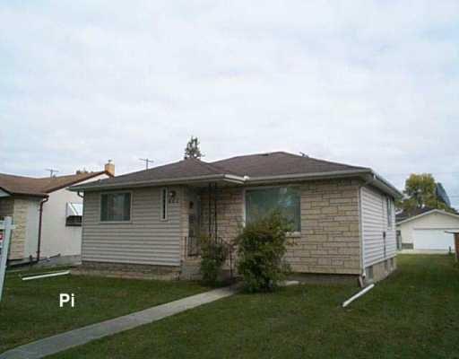 Main Photo: 801 MACHRAY Avenue in Winnipeg: North End Single Family Detached for sale (North West Winnipeg)  : MLS®# 2616361