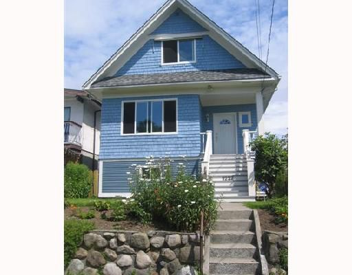 Main Photo: 1237 E 14TH Avenue in Vancouver: Mount Pleasant VE House for sale (Vancouver East)  : MLS®# V657021