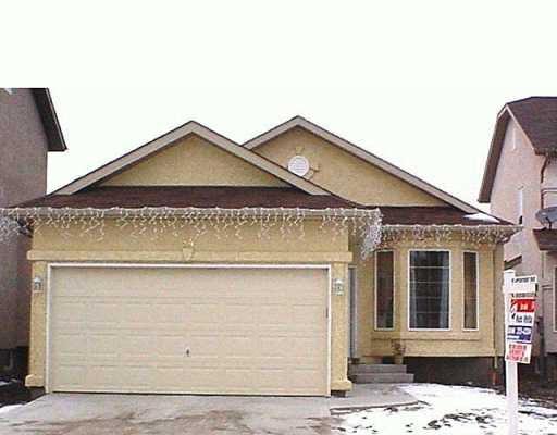Main Photo: 84 FRIGATE Bay in Winnipeg: Windsor Park / Southdale / Island Lakes Single Family Detached for sale (South East Winnipeg)  : MLS®# 2416715
