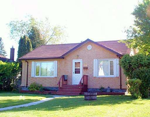 Main Photo: 32 ST LOUIS Road in Winnipeg: St Vital Single Family Detached for sale (South East Winnipeg)  : MLS®# 2607827