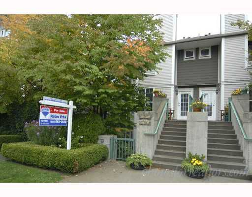 Main Photo: 201 235 E 19TH Avenue in Vancouver: Main Townhouse for sale (Vancouver East)  : MLS®# V669166