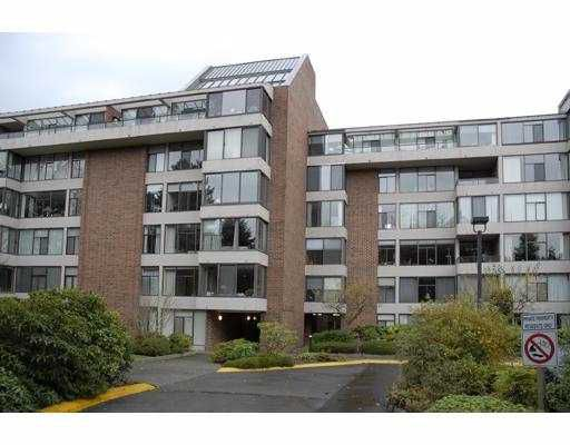 "Main Photo: 4101 YEW Street in Vancouver: Quilchena Condo for sale in ""ARBUTUS VILLAGE"" (Vancouver West)  : MLS®# V640015"