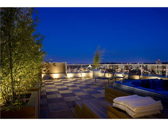 """Main Photo: # 3801 1199 MARINASIDE CR in Vancouver: Yaletown Condo for sale in """"AQUARIUS"""" (Vancouver West)  : MLS®# V920696"""