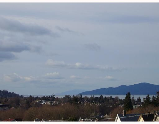 "Main Photo: 610 2228 W BROADWAY BB in Vancouver: Kitsilano Condo for sale in ""THE VINE"" (Vancouver West)  : MLS®# V682047"