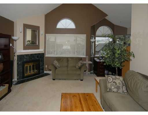 Main Photo: 8120 BENNETT Road in Richmond: Brighouse South Condo for sale : MLS®# V637380