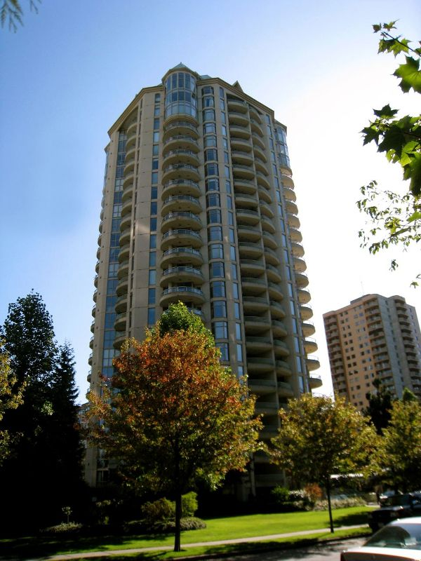 Main Photo: 102 6188 Patterson in Burnaby: Metrotown Condo for sale (Burnaby South)  : MLS®# V782688