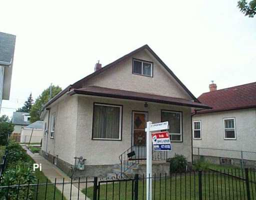 Main Photo: 408 AIRLIES Street in Winnipeg: North End Single Family Detached for sale (North West Winnipeg)  : MLS®# 2614056