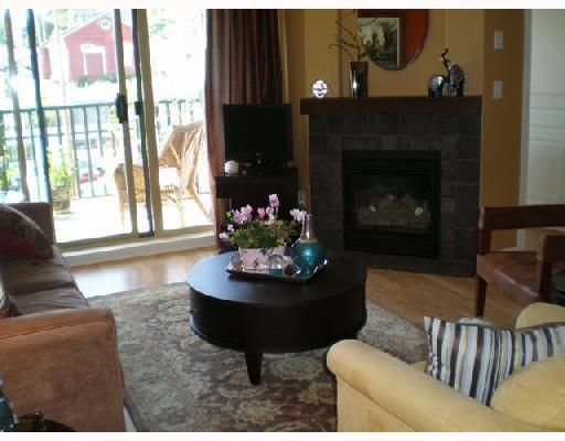 """Main Photo: 404 215 12TH Street in New_Westminster: Uptown NW Condo for sale in """"DISCOVERY REACH"""" (New Westminster)  : MLS®# V711914"""
