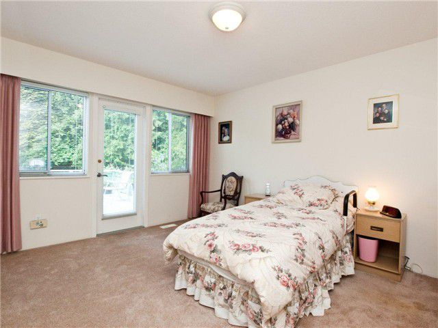 Main Photo: 4464 PRIMROSE LN in North Vancouver: Canyon Heights NV House for sale : MLS®# V896299