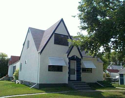 Main Photo: 595 PARR Street in Winnipeg: North End Single Family Detached for sale (North West Winnipeg)  : MLS®# 2611182