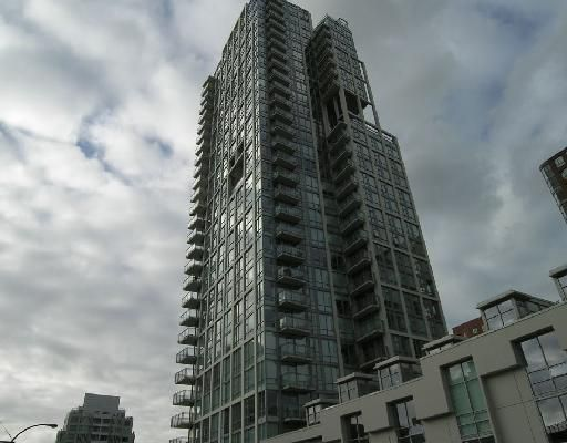 "Main Photo: 702 1455 HOWE Street in Vancouver: False Creek North Condo for sale in ""POMARIA"" (Vancouver West)  : MLS®# V682048"