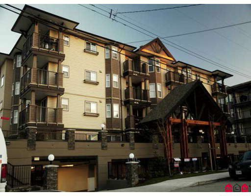 """Main Photo: 204 5488 198TH Street in Langley: Langley City Condo for sale in """"BROOKLYN WYND"""" : MLS®# F2800459"""