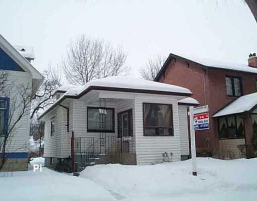 Main Photo: 18 HART Avenue in Winnipeg: East Kildonan Single Family Detached for sale (North East Winnipeg)  : MLS®# 2601118