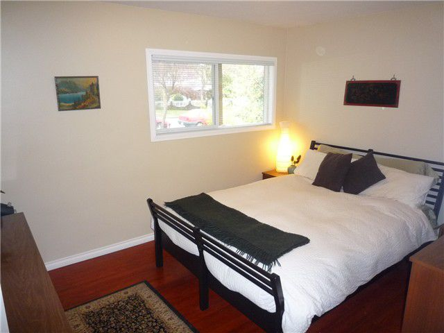 Photo 5: Photos: 4180 ST CATHERINES ST in Vancouver: Fraser VE House for sale (Vancouver East)  : MLS®# V875358