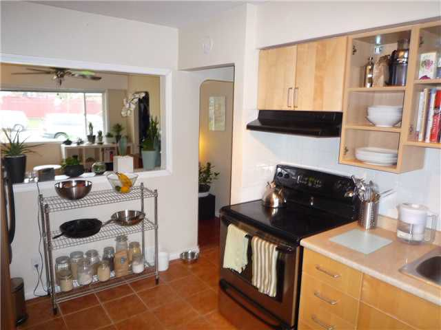 Photo 3: Photos: 4180 ST CATHERINES ST in Vancouver: Fraser VE House for sale (Vancouver East)  : MLS®# V875358