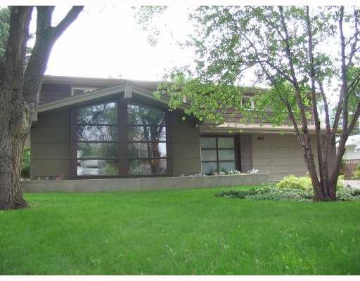 Main Photo: 406 KELVIN Boulevard in WINNIPEG: River Heights / Tuxedo / Linden Woods Single Family Detached for sale (South Winnipeg)  : MLS®# 2711993