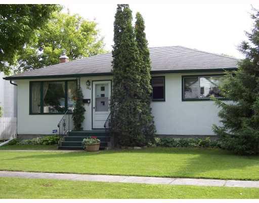 Main Photo: 586 SEVEN OAKS Avenue in WINNIPEG: West Kildonan / Garden City Single Family Detached for sale (North West Winnipeg)  : MLS®# 2719359